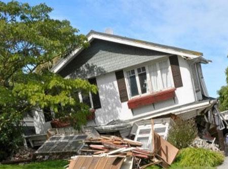 زلزله و کارهایی که قبل، حین و بعد از آن باید انجام دهیم
